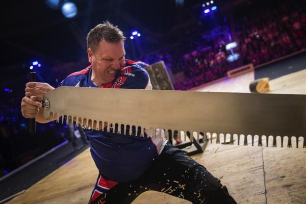 "Ole Ivar Lierhagen konkurrerer i øvelsen ""Single Buck under VM i Liverpool, Storbritannia i 2018."